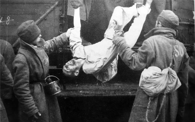 """""""Vagon spomina na sovjetske vojne ujetnike"""" bo iz Bruslja odpeljal v Maribor"""